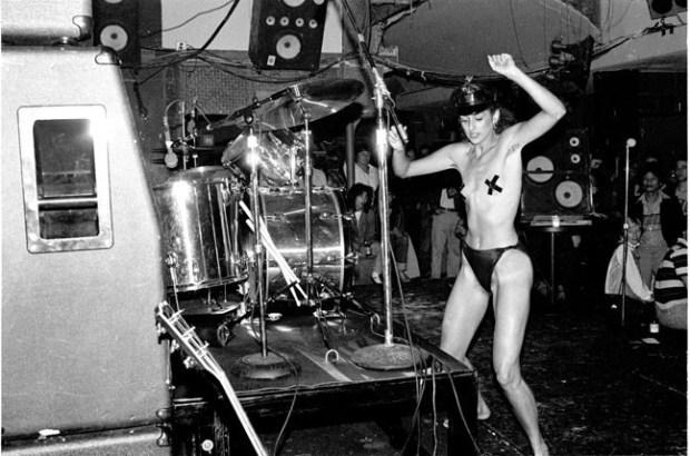 punks e strippers uniram forças pela moda - história da moda - cultura - blog got sin 03