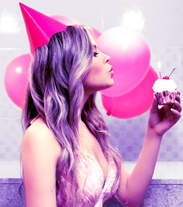 sininhu sylvia santini aniversário birthday purple hair blog got sin