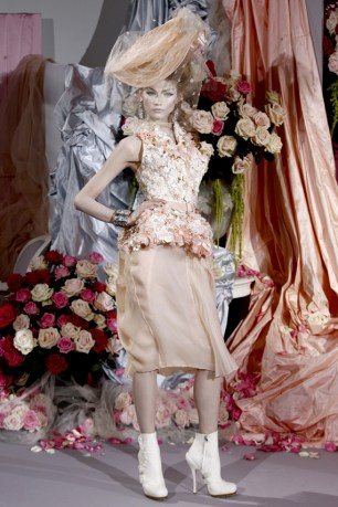 christian-dior-couture-spring-2010-13