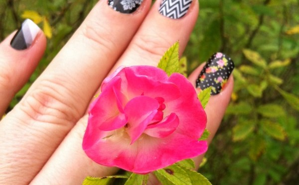 Jamberry Nails Review and Giveaway