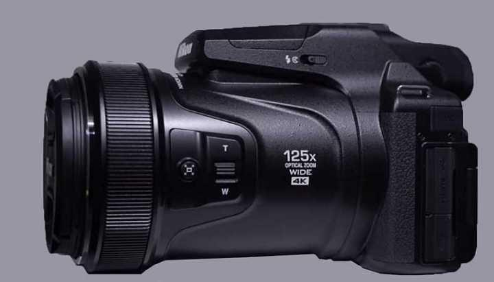 Nikon P1000 super zoom
