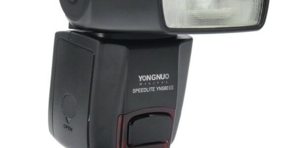 YongNuo YN-560 III flash