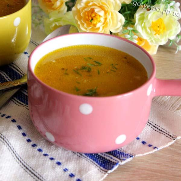 Суп з сочевицею і копченою ковбасою