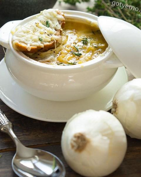 Класичний цибулевий суп