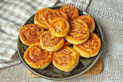 рецепт пиріжків з фаршем на сковорідці