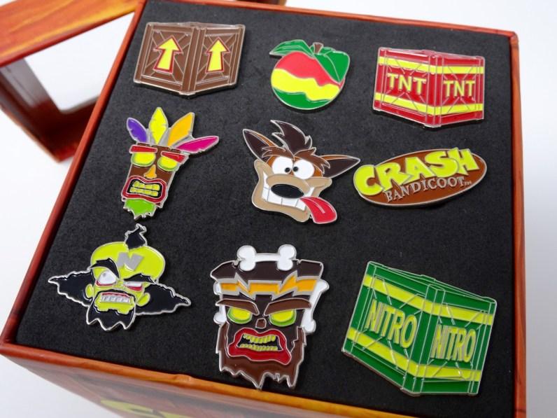 contenu 9 pins Crash Bandicoot