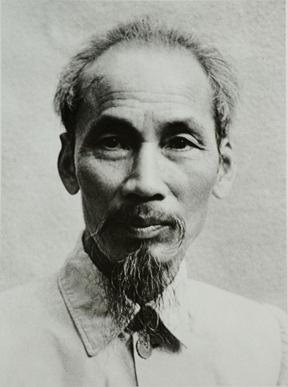 ho_chi_minh_1946_cropped