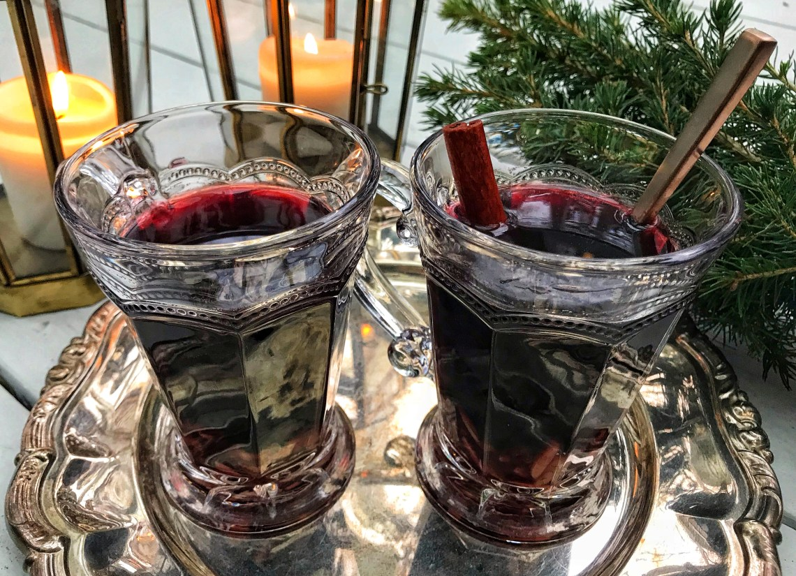 Glögg - classic Danish mulled wine with red wine, rum, port wine and winter spices