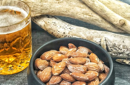 Roasted salty almonds - perfect salty beer or wine snack
