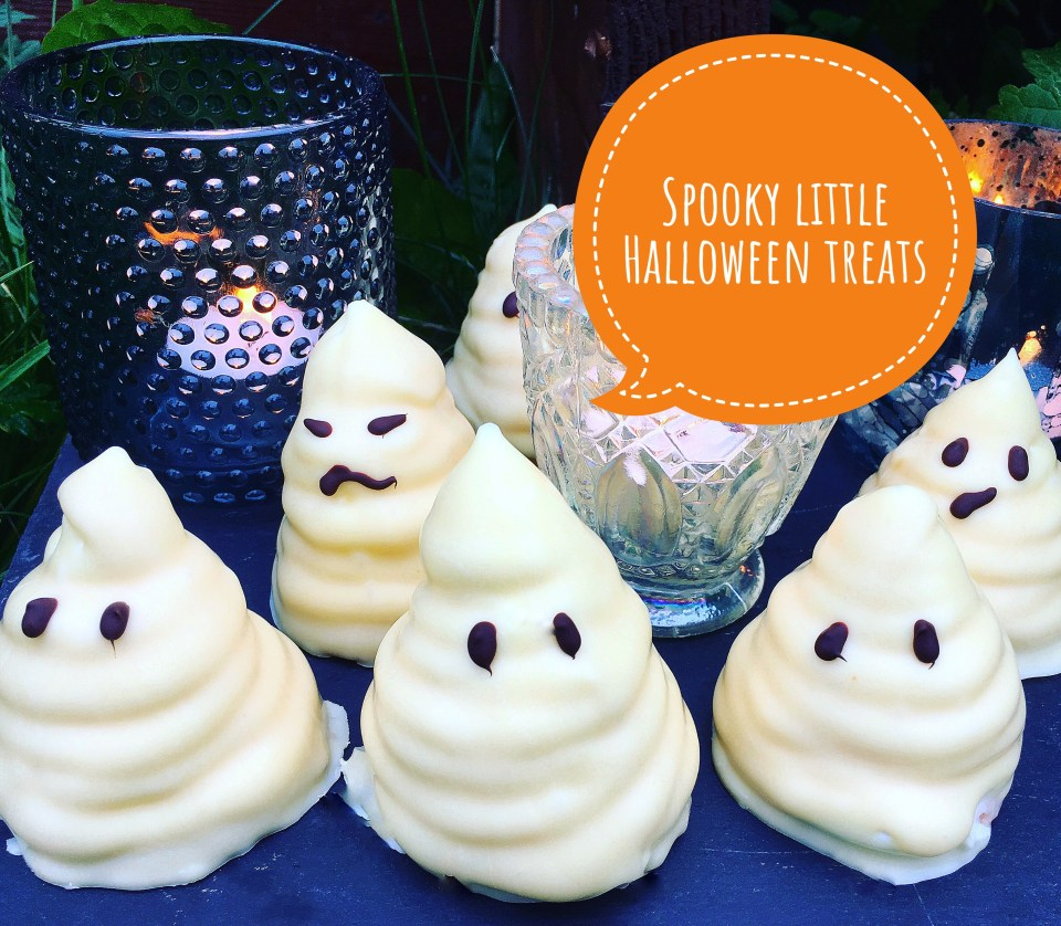 Creamy pumpkin soup with scallops and other Halloween recipes. Here, spooky Halloween treats with fluffy marshmallow and white chocolate