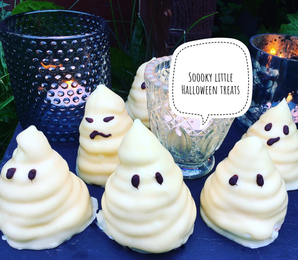 Halloween treats with homemade marshmallow
