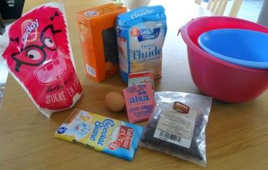 Ingrédients pour les cookies aux pépites de chocolat blanc et aux cranberries