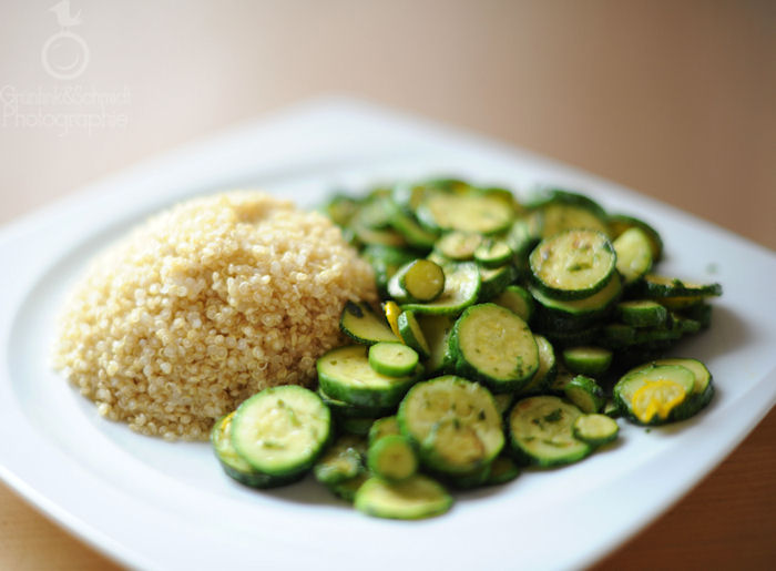 03 Steamed Quinoa with Fried Zucchini kl