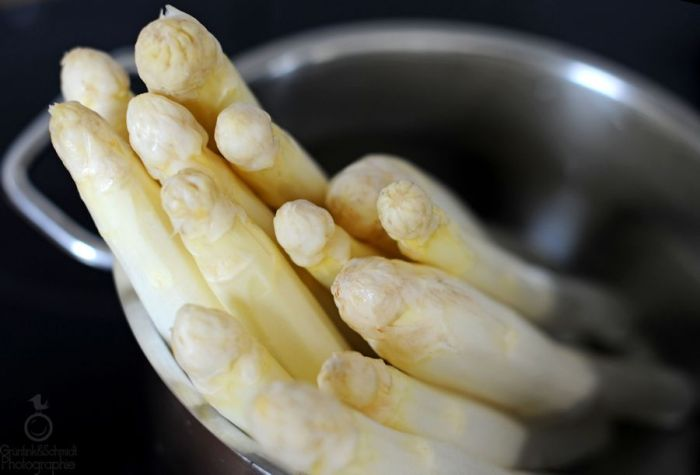 02 White Asparagus Hollandaise Potatoes kl
