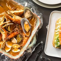 Greg's Seafood Shack Opens at Grand Park City Hall