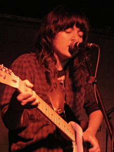 courtney barnett sings