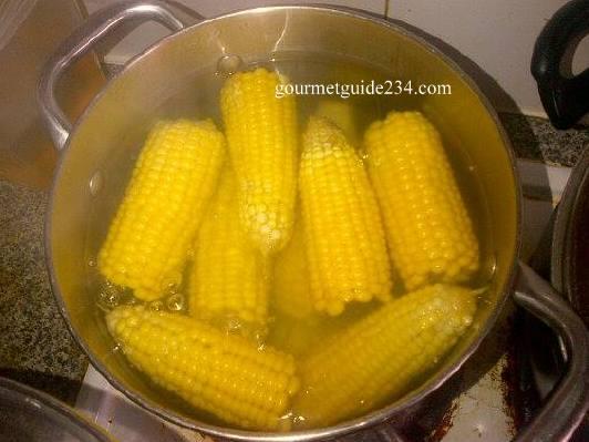 fresh corn in the pot