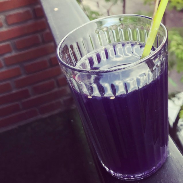 receta de limonada con sirope de violetas