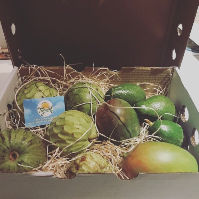 Cesta de frutas tropicales a domicilio de Huerta Tropical