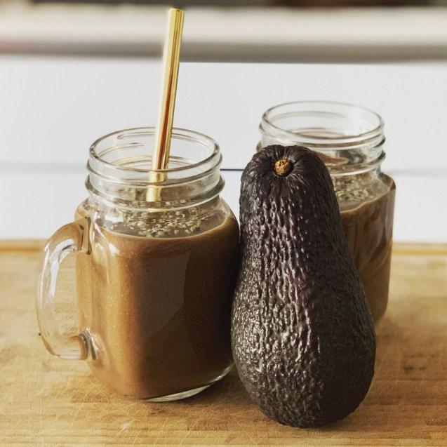 como hacer smoothie aguacate y cacao