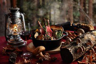 星のや富士(山梨県・富士河口湖町) 猟師のスタイルに倣い、秋の味覚をワイルドに味わう 「秋の狩猟肉(ジビエ)ディナー」提供開始 期間:2018年9月1日〜11月30日