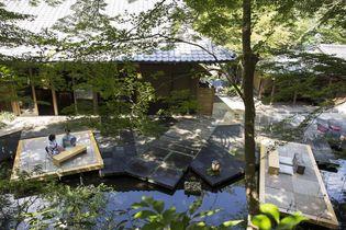 星のや京都(京都府・嵐山) 京都の職人とコラボレーションした夏限定の共用スペースが登場 水辺にせり出す桟敷席「奥嵐山の納涼床」を設置 設置期間:2018年7月1日~8月31日