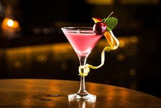"""今年も""""フルーツ×氷結×ICEBOX""""の酒フェスで夏をCOOLに! 酒フェスでしか飲めないシャリシャリの氷をかけた 名物フルーツポンチカクテル等が飲み放題! ~生さくらんぼ入りカクテルも限定登場でパワーアップ~"""