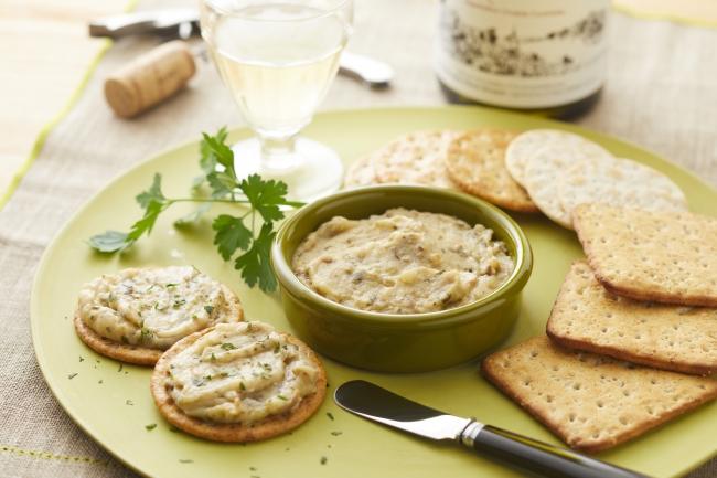 nakato「メゾンボワール」から『広島県産牡蠣とほうれん草のパテ 白ワイン仕立て』と『2種のチーズのパテ パルミジャーノ・レッジャーノ使用』を新発売