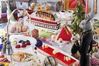 """クリスマスを待ちわびる""""おもちゃの国""""のスイーツビュッフェ [期間限定] Christmas Sweets Buffet 2018を開催! ショコラ&フロマージュスイーツが食べ放題"""