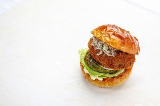 ご当地バーガーグランプリにて全国2位、全国3位を獲得した 「THIS 伊豆 SHIITAKEバーガーキッチン」  静岡の新たなご当地バーガーで第8回グランプリへ出場!