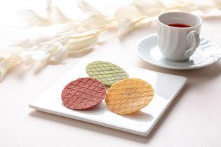 カラフルなスイーツせんべい『からっふる』10/5発売  さくっと軽い食感で、紅茶やコーヒーとも相性ぴったり