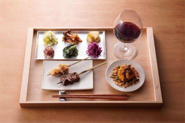 焼き鳥と発酵料理に合わせて、自然派ワインや日本酒を味わう 「焼き鳥とワイン 源 MOTO」が六本木に2018年11月15日(木)オープン!