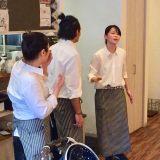 """突然始まる""""即興劇""""が目玉の「ラジェムカフェ」"""