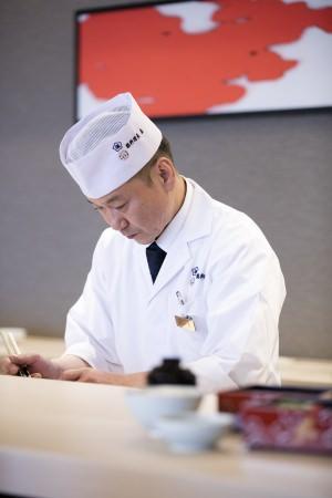 総料理長の島武行
