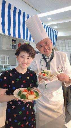 料理が出来ない食のプロ・ギール里映と出張料理人・小暮剛