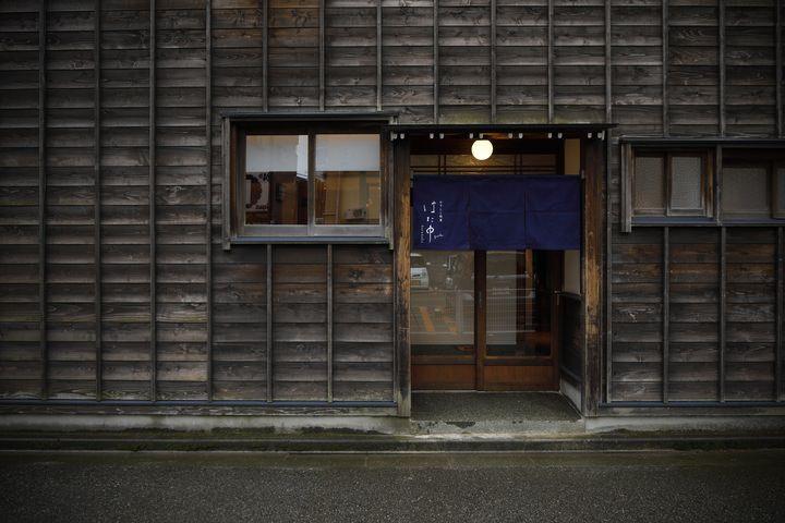 金沢駅前にインバウンド対応の寿司店オープン!29歳女性料理長自ら英語対応。クラウドファンディングは目標の270%を突破中