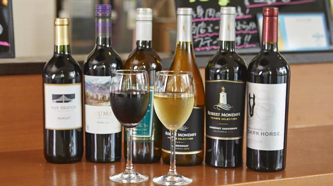 毎週金曜日は、ボトルワインとパスタが全品20%オフ!! 普段は手が出にくい高級ワインを気軽に飲めるチャンス!!
