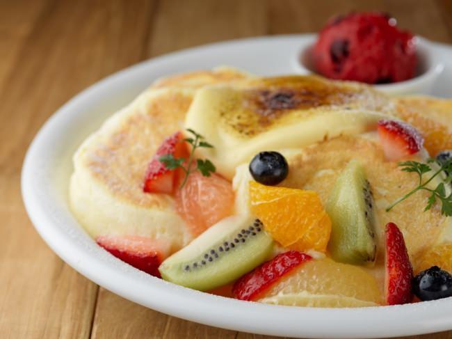 【5月1日販売開始】ルタオの代名詞「チーズ」を生かした、とろけるようなパンケーキ「フロマージュブリュレ」