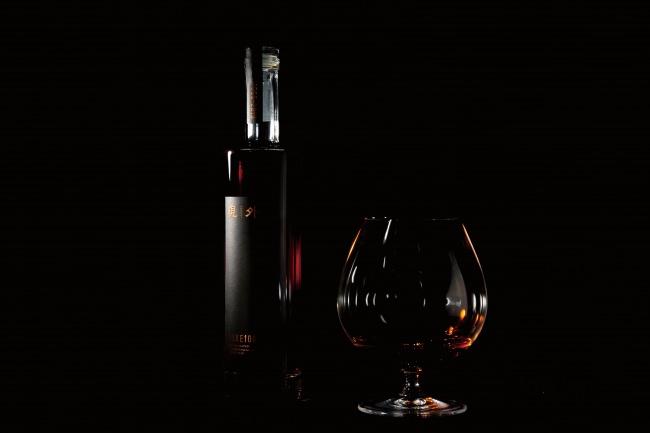 日本酒にヴィンテージという価値を。1本15万円の24年熟成酒『現外 -gengai-』を100本限定で販売開始。日本酒スタートアップClearが運営するプレミアム日本酒ブランド「SAKE100」