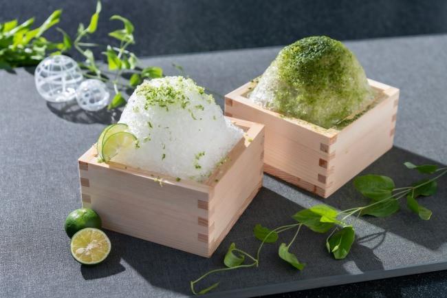 天然水かき氷 すだち(左)、抹茶(右)