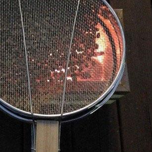六甲オルゴールミュージアム 秋のミュージアムガーデンで楽しむ 「手網珈琲焙煎ワークショップ」を初開催~世界でひとつのオリジナルブレンドをつくろう~