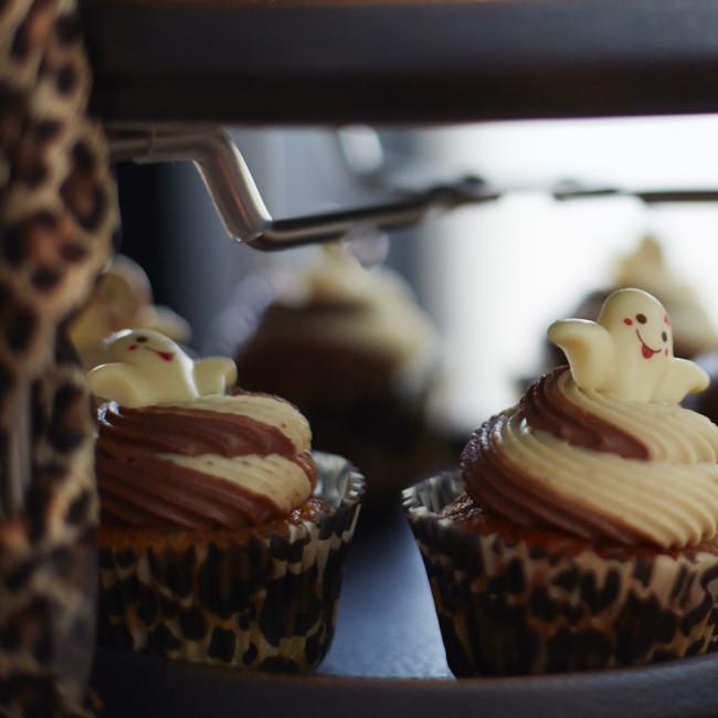 ゴースト&レオパードカップケーキ バナナとチョコレート