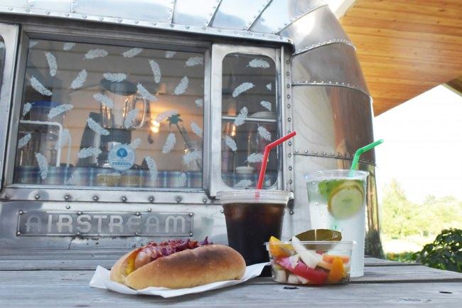 公園の緑と水に囲まれたカフェ「オアシス」で夕涼み!バルメニューと一緒に楽しめるミニライブ2019年8月17日(土)開催(埼玉県営彩の森入間公園)