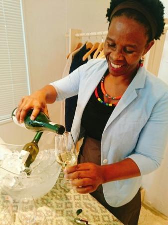 南アフリカ初の女性醸造家ヌツィキ・ビエラ