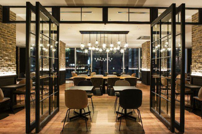 Bar & Dining 「TORRENT」 ダイニングスペース