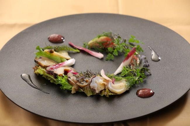 瀬戸内産流れ子とニシ貝のサラダ仕立てイチヂク風味