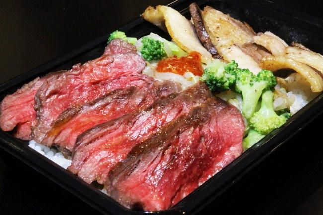 6ヶ月先まで予約の取れない店『肉山』TLUNCHと9月26日コラボ開始、『肉山』がフードトラック特別メニューの肉丼がビル下に!繁盛店の味が予約不要!ランチになって登場