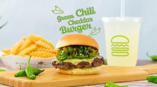 【Shake Shack】ピリ辛と旨味を楽しむ「グリーンチリチェダーチーズバーガー」期間限定で発売!