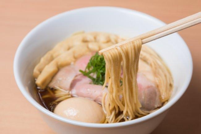 「特製 醤油らぁ麺」(らぁ麺 はやし田 横浜店)
