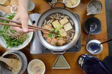 横浜で唯一、宮城県名取市のせり農家【三浦隆弘さん】のせりをつかった 【シャキシャキの根っこまで食べるせりがメインの七草特製せり鍋】 を昨年に続き、提供開始。